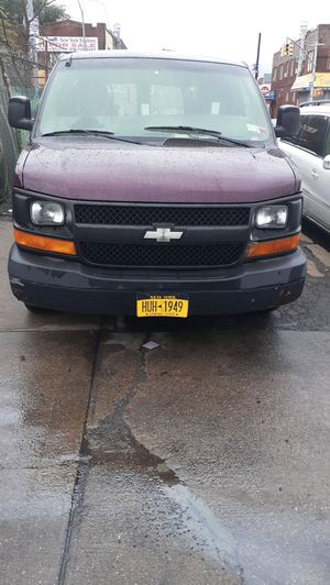 2003 chevy Express 1500 v6 for Sale in Queens, NY