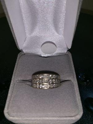 10KT. 4.50 grams Band W/ 3 Row Of Diamond Ring Price for Sale in Vancouver, WA