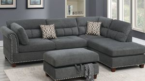 Grey sectional wth ottoman 🎈🎈🎈🎈 for Sale in Fresno, CA