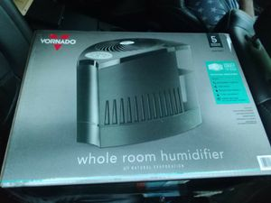 Vornado whole room humidifier for Sale in Fuquay-Varina, NC