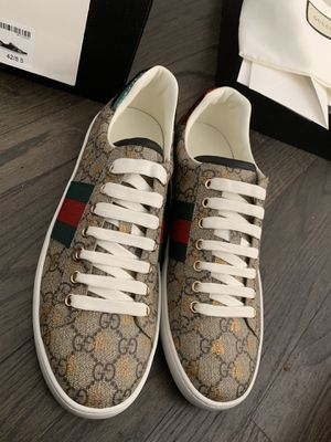 Guccci sneakers size 9 for Sale in Rahway, NJ