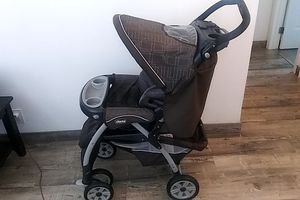 Chicco Stroller Adjustable handlebar, canopy drape storage drink good trays recline seat to bed... for Sale in Santa Ana, CA