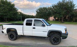 Price$18OO Chevrolet Silverado 2OO6 for Sale in Decatur, GA