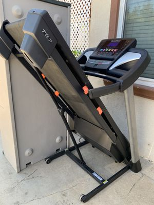 NordicTrack foldable treadmill for Sale in Riverside, CA
