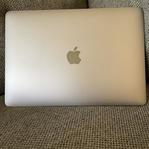 2020 Macbook Pro 13 Inch Like NEW for Sale in West Palm Beach, FL