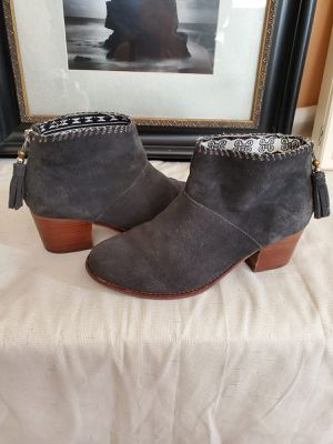 Tom's women's lowcut boots for Sale in Miami Shores, FL