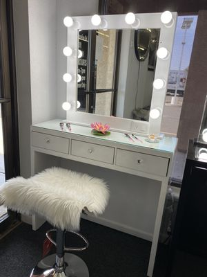 MAKEUP VANITY FINANCE AVAILABLE for Sale in Mesa, AZ