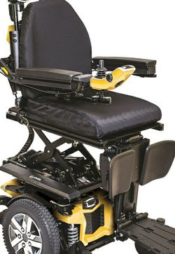 Q6 Edge 2.0x-3 Quantum Rehab Power Wheel Chair.. 2020 Model. 6mnths Old for Sale in Longview,  TX