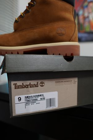 Sz 9 timberland 6 inch premium like new for Sale in East Meadow, NY