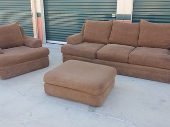 Couch Set Delivery Available for Sale in Artesia,  CA