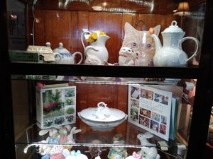 Antiques and collectibles for Sale in Hesperia, CA