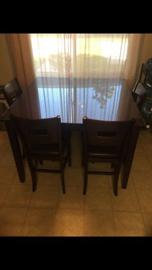 Table for Sale in Covina, CA