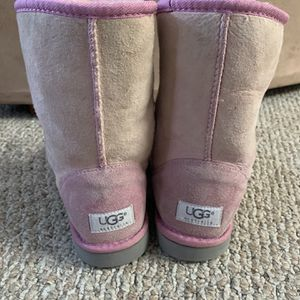UGG Light Pink Women's Girls Boots Authentic Genuine Sheep Skin Winter Shoes Rain Fits Size Sz 8 for Sale in San Diego, CA