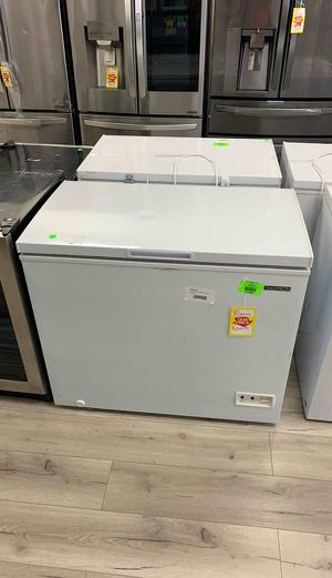 THOMSON TFRF710-B-SM CHEST FREEZER 1OFHZ for Sale in Ontario, CA