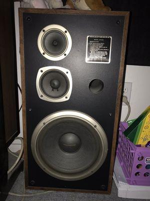 Marantz tower speakers, for Sale in Las Vegas, NV