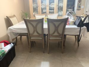 Kitchen table-excellent condition for Sale in Fremont, CA