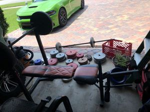 Weight set and bench for Sale in Melbourne, FL