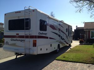 2006 Damon Challenger 37' Motorhome Class A for Sale in Simi Valley, CA