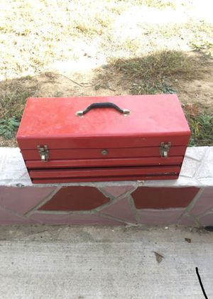 Red tool box (no key) for Sale in Springfield, VA