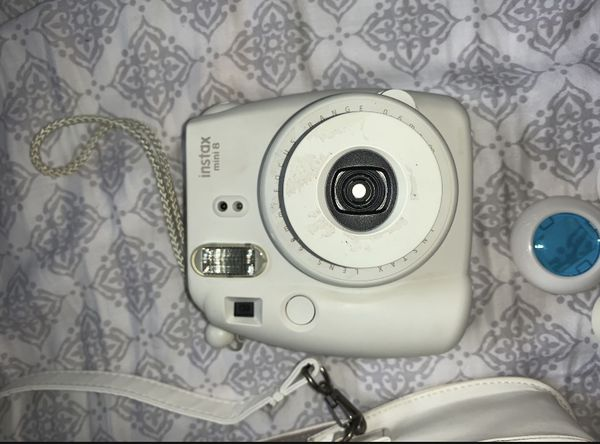 Instax Mini 7 Polaroid Camera with Accessories, Lens Cleaner, Batteries and Case