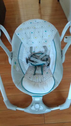 INGENUITY FOLDABLE HYBRID BABY SWING for Sale in HUNTINGTN BCH, CA