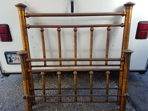 Antique full size brass/copper bed frame for Sale in Grandfield, OK