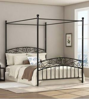 25 Yr Old King Size Black Iron Canopy Bed Frame (Similar to Image) for Sale in Tampa, FL