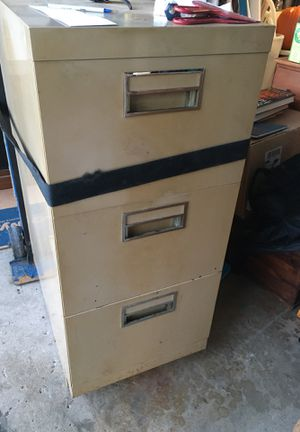 Three drawer file cabinet for Sale in Oak Forest, IL