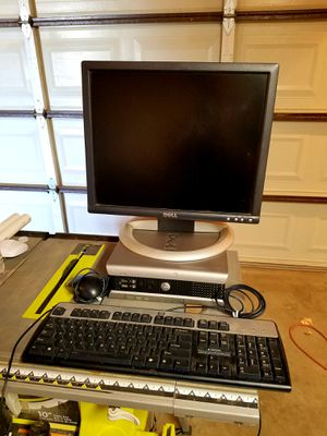 Dell Computer with Keyboard n Mouse for Sale in Lancaster, CA