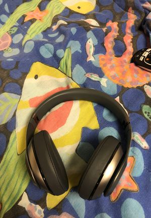 Beats by Dre wireless for Sale in Florissant, MO