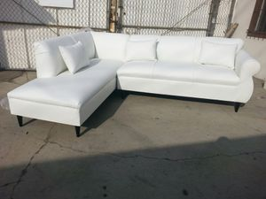 NEW 7X9FT WHITE LEATHER SECTIONAL CHAISE for Sale in Temecula, CA