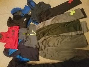 3 jackets nortface M 2 large pants 2 medium y 3 hoodie for Sale in Sterling, VA
