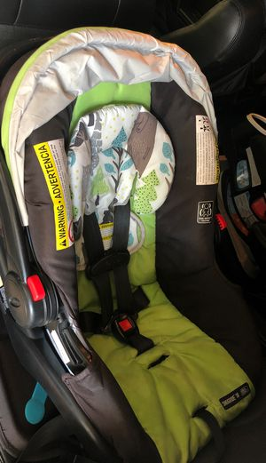 Graco snugride infant car seat for Sale in Chandler, AZ