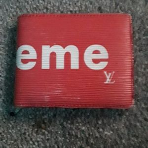 SUPREME LOUIS VIUTTON RED BI-FOLD WALLET $2800-$4400 NEW ON EBAY for Sale in Portland, OR