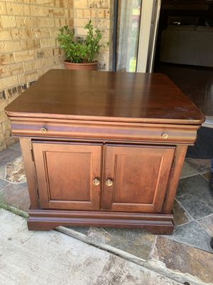 Coffee table or bed stand for Sale in Grand Prairie, TX
