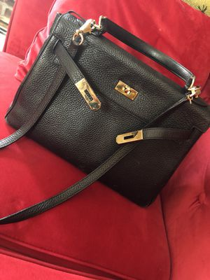 Hermes Kelly black bag Gold hardware for Sale in Brooklyn, NY