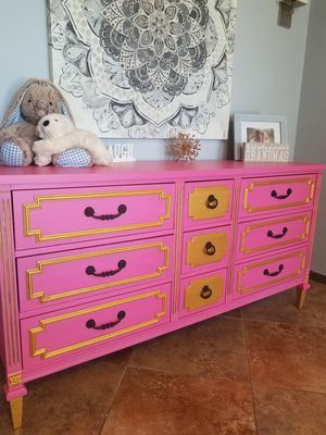Cutest Nursery or Little Princess Dresser/ Changing Table for Sale in Apache Junction, AZ