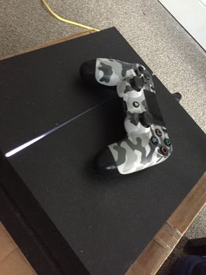 PS4 plus controller for Sale in Washington, DC