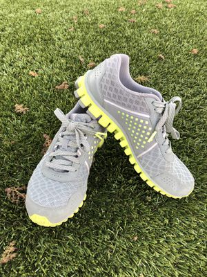 Reebok Running Shoes 8.5 M for Sale in Clovis, CA