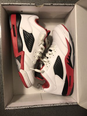"""Air Jordan Retro 5 """"Fire Red"""" low Size 9.5 for Sale in Canoga Park, CA"""