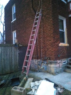 Used 24 foot fiberglass ladder for Sale in Columbus, OH