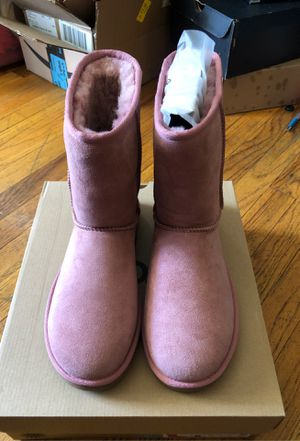 Ugg boots size 8 for Sale in Dearborn Heights, MI