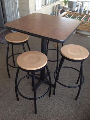 Table and banks for Sale in Las Vegas, NV