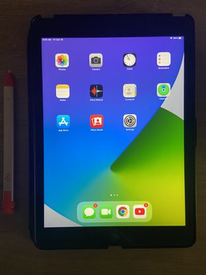 iPad 7th Generation with case and logitech crayon for Sale in Las Vegas, NV