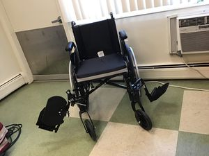 Invacare Tracer SX5 for Sale in Cleveland, OH