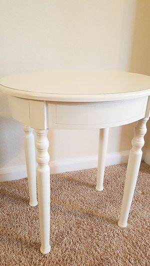 Night stand side table Nice (Chapel Hill) for Sale in Chapel Hill, NC