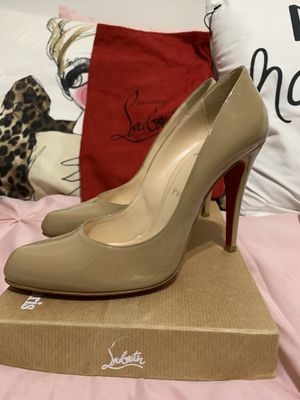 Authentic Christian Louboutin Nude Decollete - Only used once for Sale in Miami, FL