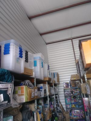 Brand new tubs and plastic drawers for Sale in Spring, TX