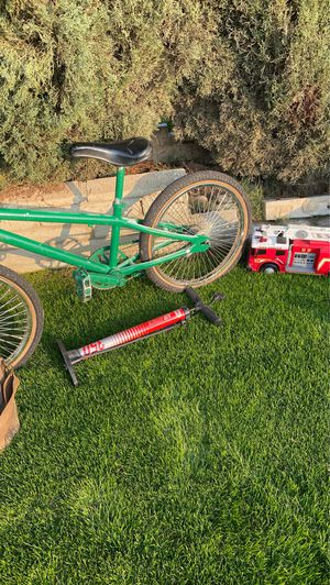 Baby clothes slimvac haro bike toys for kids 2 kids desk plus construction tools for Sale in Bakersfield, CA
