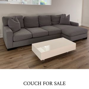 Grey Cloth Sectional Couch for Sale in Tustin, CA